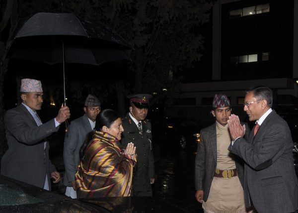 indian-ambassador-welcomig-the-president-at-celebration-on-the-occassion-of-republic-day-of-india